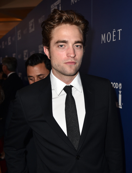 Robert Pattinson「Hollywood Foreign Press Association's Grants Banquet - Red Carpet」:写真・画像(4)[壁紙.com]