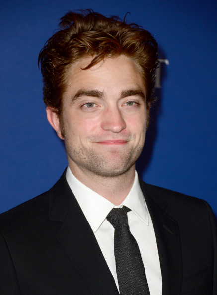ロバート・パティンソン「Hollywood Foreign Press Association's Grants Banquet - Arrivals」:写真・画像(13)[壁紙.com]