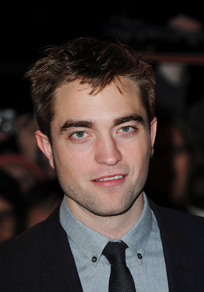 カメラ目線「The Twilight Saga: Breaking Dawn Part 2 - UK Premiere - Arrivals」:写真・画像(8)[壁紙.com]