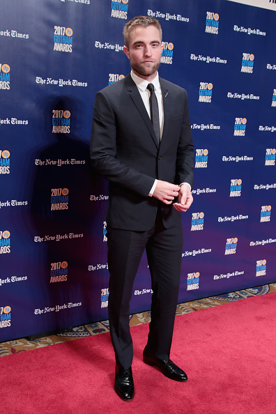 ロバート・パティンソン「IFP's 27th Annual Gotham Independent Film Awards - Red Carpet」:写真・画像(5)[壁紙.com]