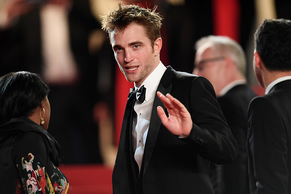 Robert Pattinson「'Good Time' Red Carpet Arrivals - The 70th Annual Cannes Film Festival」:写真・画像(14)[壁紙.com]