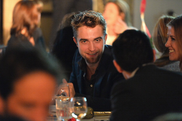 Robert Pattinson「6th Annual GO GO Gala - Inside」:写真・画像(0)[壁紙.com]