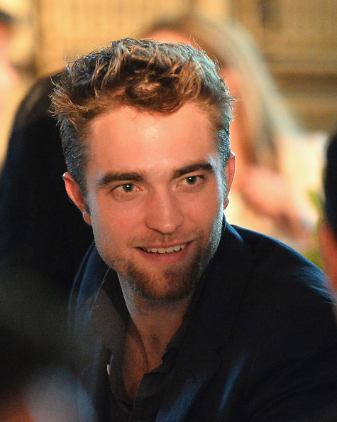 Robert Pattinson「6th Annual GO GO Gala - Inside」:写真・画像(18)[壁紙.com]