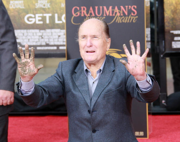 One Man Only「Robert Duvall Hand And Footprint Ceremony At Grauman's Chinese Theatre」:写真・画像(2)[壁紙.com]