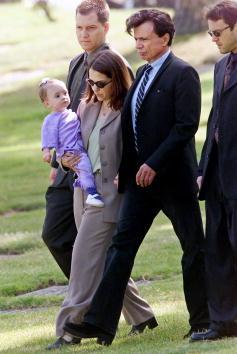 薔薇「Robert Blake Buries Slain Wife Bonny Lee Bakley」:写真・画像(3)[壁紙.com]
