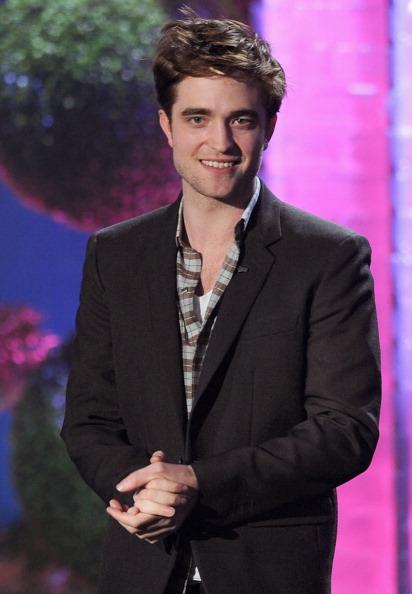 ロバート・パティンソン「2011 MTV Movie Awards - Show」:写真・画像(0)[壁紙.com]