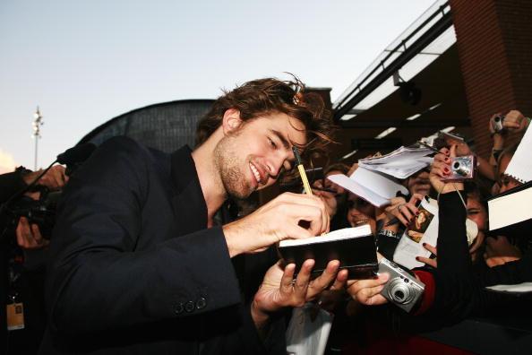 Robert Pattinson「Rome Film Festival 2008: 'Twilight' - Premiere」:写真・画像(9)[壁紙.com]