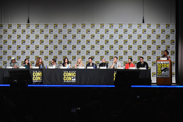 "Emilie De Ravin「Comic-Con International 2015 - ""Once Upon A Time"" Panel」:写真・画像(1)[壁紙.com]"