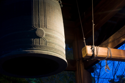 京都の夜「Bell, Kodai-ji, Kyoto, Japan」:スマホ壁紙(17)