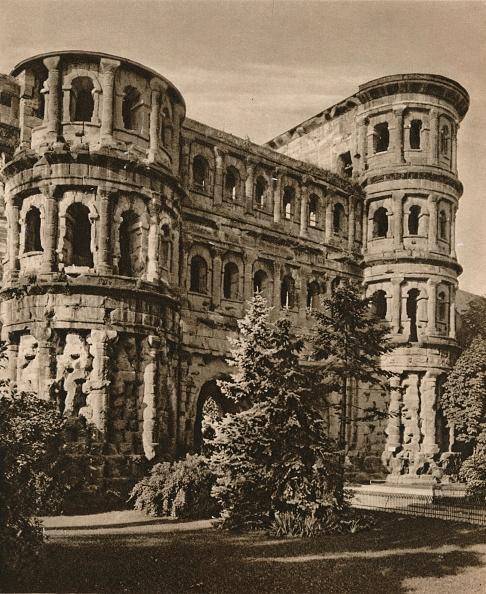 Trier「Trier. Porta Nigra, 1931」:写真・画像(10)[壁紙.com]