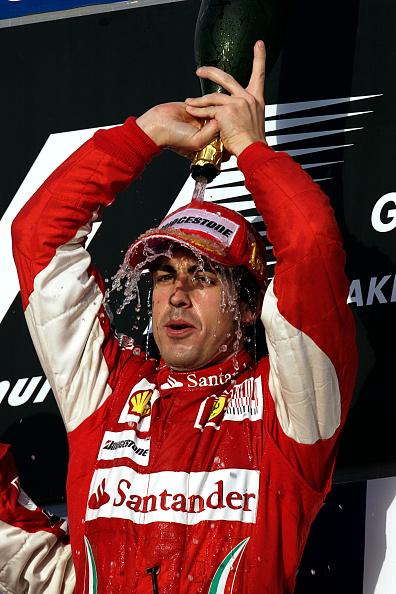 Pouring「Fernando Alonso, Grand Prix Of Bahrain」:写真・画像(8)[壁紙.com]