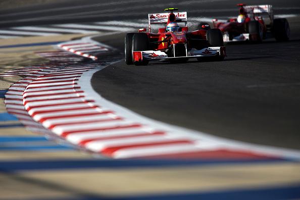 Paul-Henri Cahier「Fernando Alonso, Felipe Massa, Grand Prix Of Bahrain」:写真・画像(14)[壁紙.com]