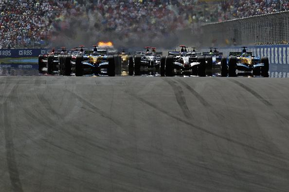Kimi Räikkönen「Fernando Alonso, Kimi Raikkonen, Giancarlo Fisichella, Grand Prix Of Turkey」:写真・画像(0)[壁紙.com]