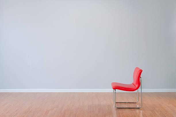 Retro Red Chair In Empty Room:スマホ壁紙(壁紙.com)