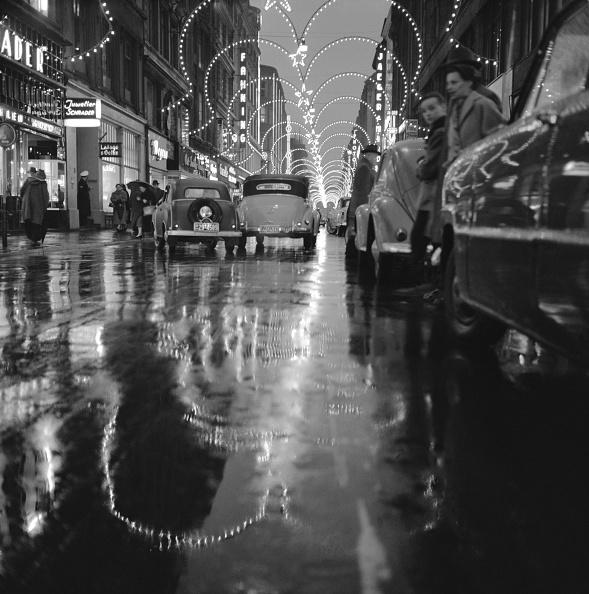 Hamburg - Germany「Hamburg in the night, Photograph, 1955/56」:写真・画像(9)[壁紙.com]