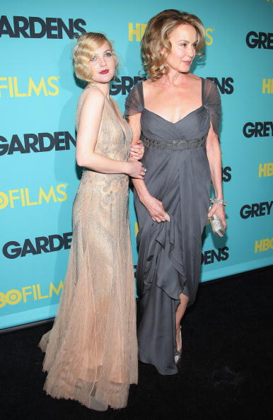 "Grey Gardens - 2009 Film「HBO Films Presents The Premiere Of ""Grey Gardens"" - Arrivals」:写真・画像(10)[壁紙.com]"