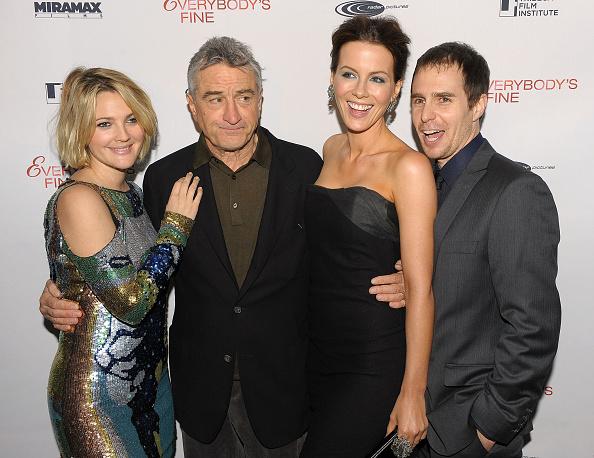 "Pencil Dress「Tribeca Film Institute Benefit Screening Of ""Everybody's Fine"" - Arrivals」:写真・画像(2)[壁紙.com]"