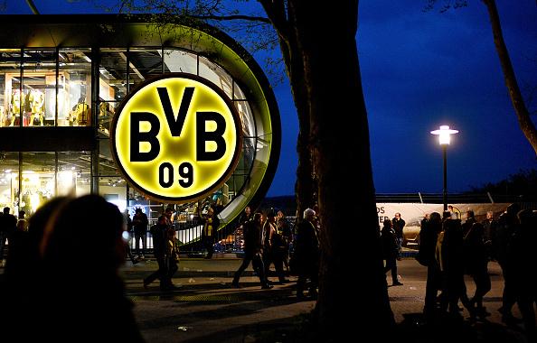 スタジアム「Borussia Dortmund Bus Explosion Injures One」:写真・画像(15)[壁紙.com]