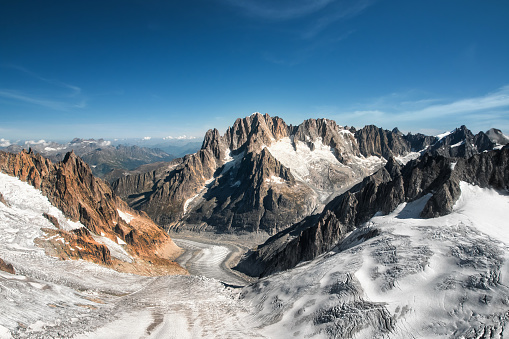 Chamonix「Beautiful landscape aerial view of old glacier from Mont Blanc massif in french Alps mountains in autumn」:スマホ壁紙(17)