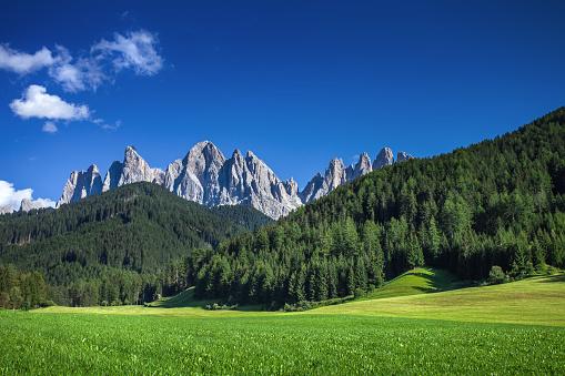 Clear Sky「Beautiful landscape - Dolomites under blue sky.」:スマホ壁紙(4)
