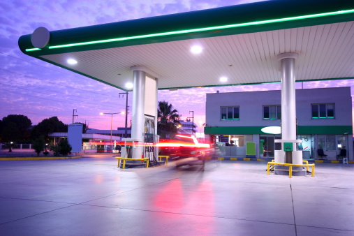 Environmental Conservation「Beautiful long exposure photograph of a refueling station」:スマホ壁紙(11)