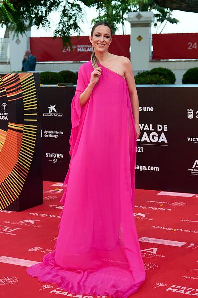 アシンメトリー服「Day 3 - Malaga Film Festival 2021」:写真・画像(7)[壁紙.com]