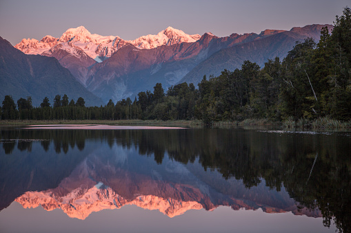 Perfection「Snowcapped Mountains Reflected In Tranquil Lake」:スマホ壁紙(0)