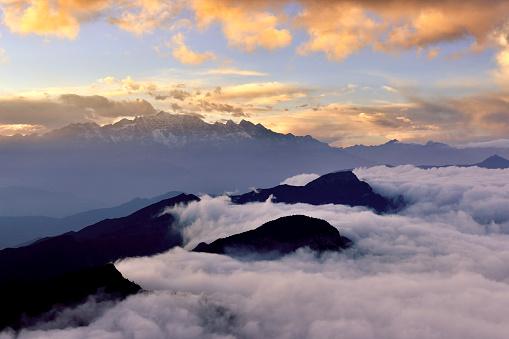Outdoors「日の出 (牛バック山) に雪を頂いた山」:スマホ壁紙(9)
