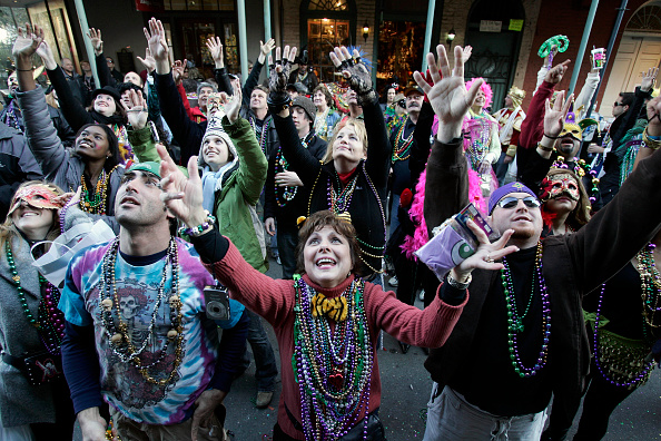 Bead「New Orleans Parties During Traditional Mardi Gras Celebration」:写真・画像(0)[壁紙.com]