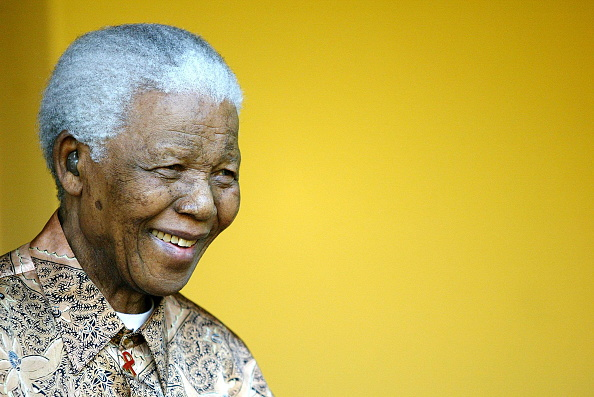 ポートレート「Nelson Mandela reads short statement on the Jacob Zuma issue. South Africa.」:写真・画像(15)[壁紙.com]