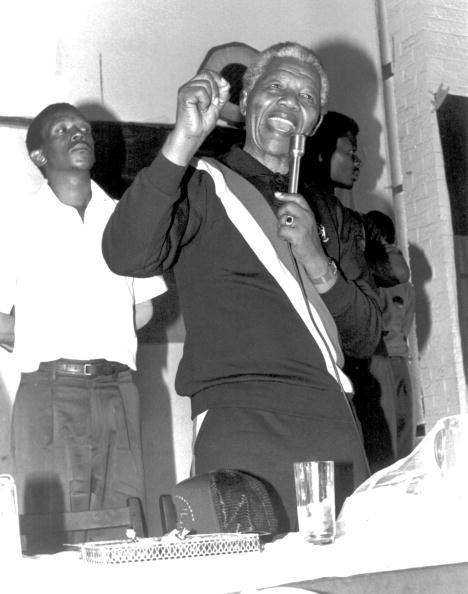 Prejudice「Nelson Mandela addressing the congregation at an NG church in Tladi, Soweto.」:写真・画像(10)[壁紙.com]