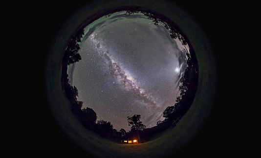 天の川「Fish-eye panorama of the southern night sky in Australia.」:スマホ壁紙(10)