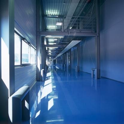 Polishing「Endless  new industrial building floor in blue mood daylight」:スマホ壁紙(19)
