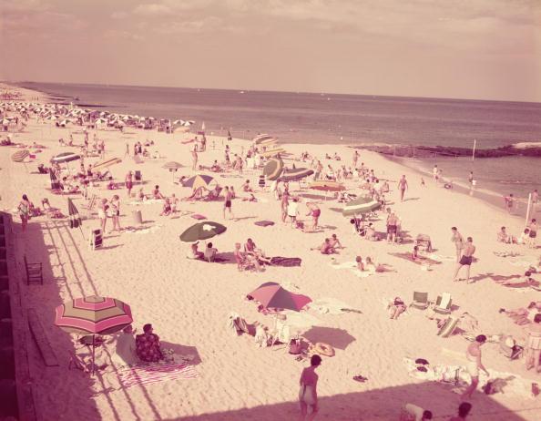 Archival「Summer beach scene」:写真・画像(9)[壁紙.com]