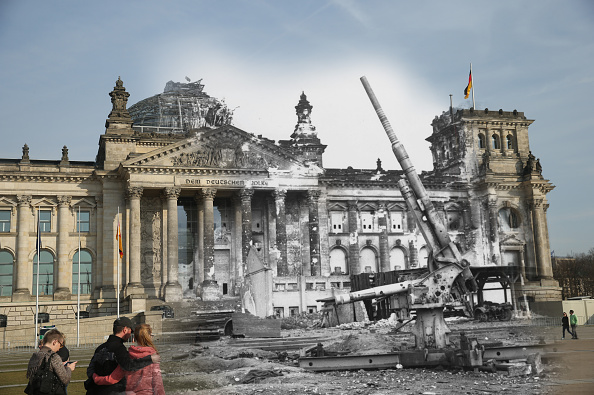 Fred Ramage「70 Years Since WW2: Overlay Images Show Then And Today」:写真・画像(19)[壁紙.com]