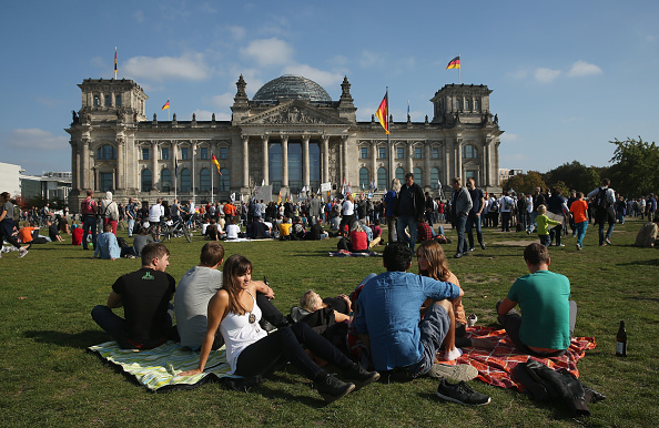 The Reichstag「Germany Celebrates Reunification Day」:写真・画像(19)[壁紙.com]