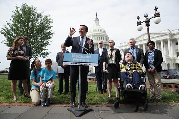 Protection「Sen. Chris Murphy Holds A Press Conference With Fellow Democratic Senators On Protecting Medicaid」:写真・画像(11)[壁紙.com]