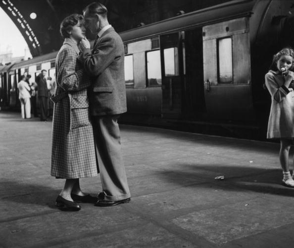 Railroad Station「A Fond Farewell」:写真・画像(16)[壁紙.com]