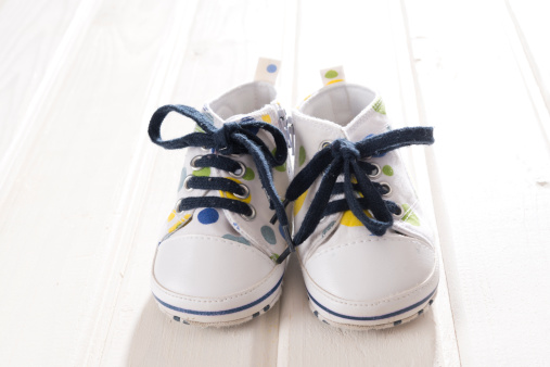 Toddler「Male toddler shoes」:スマホ壁紙(18)