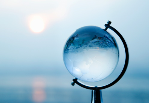 Selective Focus「Small terrestrial globe,evening sun background」:スマホ壁紙(4)