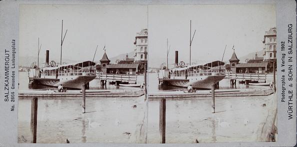 Salzkammergut「Gmunden Landing Place / Salzkammergut (No. 2664). About 1902. Stereo Photograph & Publishing Würthle & Son / Salzburg.」:写真・画像(19)[壁紙.com]