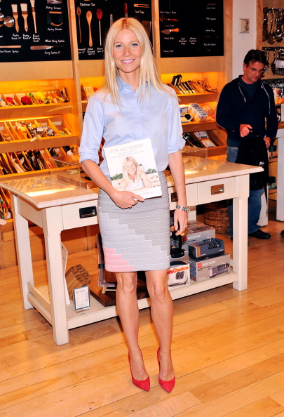 """Suede「Gwyneth Paltrow Signs Copies Of Her Book """"It's All Good""""」:写真・画像(8)[壁紙.com]"""