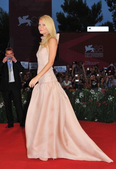 """Nude Colored Dress「""""Contagion"""" Premiere - 68th Venice Film Festival」:写真・画像(19)[壁紙.com]"""