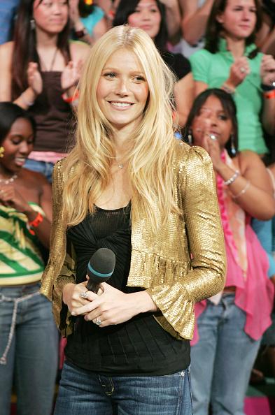 Cropped Jacket「MTV TRL With Gwyneth Paltrow」:写真・画像(15)[壁紙.com]