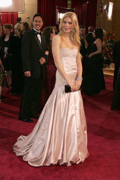 胸の谷間「77th Annual Academy Awards - Arrivals」:写真・画像(17)[壁紙.com]