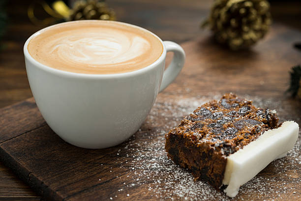 Christmas Cake and Coffee:スマホ壁紙(壁紙.com)