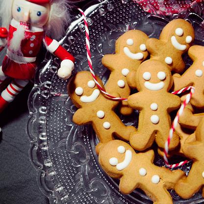 Gingerbread Man「Christmas Candy Cookie Parade - Gingerbread Men」:スマホ壁紙(14)