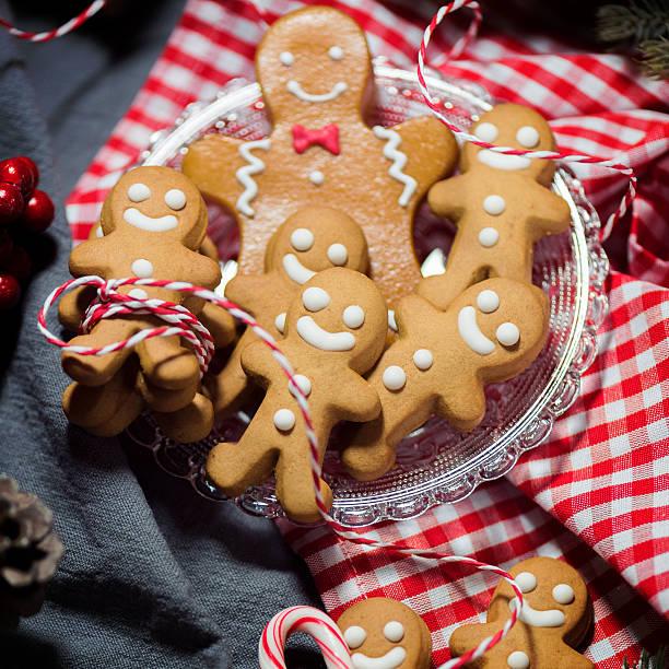 Christmas Candy Cookie Parade - Gingerbread Men:スマホ壁紙(壁紙.com)