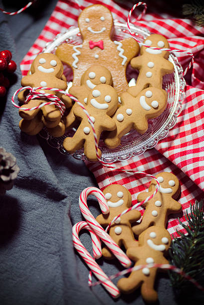 Christmas Candy Cookie Parade - Gingerbread Men:スマホ壁紙(壁紙.com)