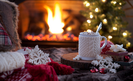 Silverware「Christmas cozy hot chocolate in front of the fireplace」:スマホ壁紙(2)